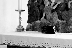 Alter (yezdk) Tags: blackandwhite white black church monochrome graveyard architecture denmark blackwhite alter danmark sort hvid arkitektur bornholm yez monokrom sorthvid sortoghvid churchesandgraveyards yezphoto yezfoto yezdk therealyez teherealyez