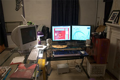 "new computer <a style=""margin-left:10px; font-size:0.8em;"" href=""http://www.flickr.com/photos/25671950@N00/160475811/"" target=""_blank"">@flickr</a>"