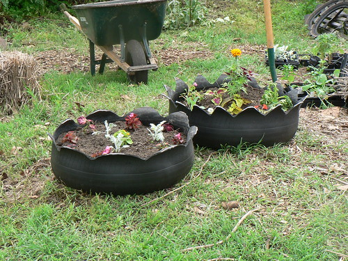 10 Ideas For Recycled Garden Planters On The Cheap - RecycleScene