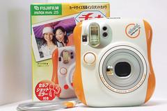 Fuji_instax_mini_25-2006_0627_042926 (Lordcolus) Tags: camera gaget fujifilminstaxmini25