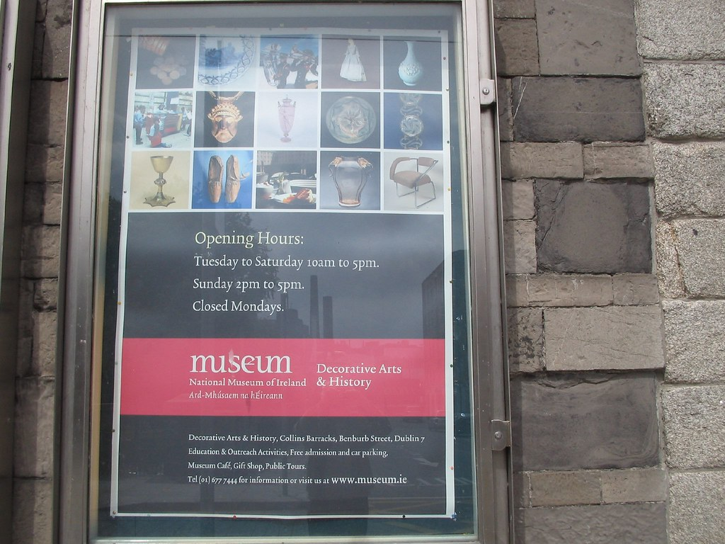 COLLINS BARRACKS MUSEUM DUBLIN