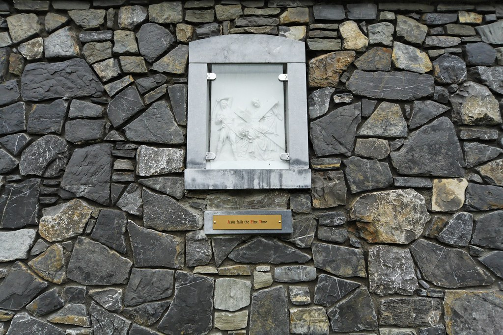 TRIM - Stations of the Cross