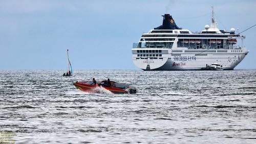 Speed low.. Speed medium.. Speedboat..