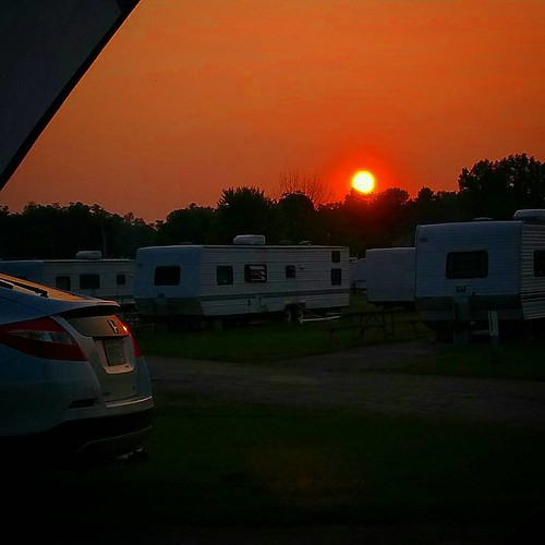 So purdy... #darienlake #camping #nystate #upstateny #Sunset #sun #skyporn #sky