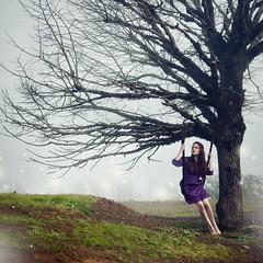 Wonderland (Laura·Ballesteros) Tags: mist tree girl beauty arbol chica magic think thinking pensativo wonderland magical niebla pensar belleza magico fineartphotography magia pensando maravilla columpio pensativa lauraballesteros