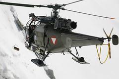 Abwurf! (Bundesheer.Fotos) Tags: winter army austria alouette steiermark soldaten austrian hubschrauber bundesheer lawinen