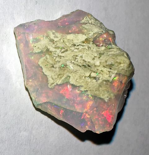 Precious opal (Tertiary; Ethiopia) 2