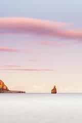 Entre azules y rosas (Mplanells) Tags: azules rosas benirras mar nubes sony