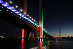 IMG_0593_SML (MRYJDrake) Tags: another shot bolte bridge its infamous led lighting for christmas while i try rediscover low light photography skills melbourne 1300d