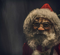 der Weihnachtsmann (Paul B0udreau) Tags: käthewohlfahrt photoshop canada ontario paulboudreauphotography niagara d5100 nikon nikond5100 raw layer berlin germany christmas store figurine santaclaus nikkor70300mm