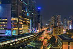Kwun Tong, Hong Kong (mikemikecat) Tags: 官塘 apm kwuntong hongkong sonya7r a7r mikemikecat sony stacked building colorful blue 建築 建築物 建築結構 基礎建設 城市 夜景 nightscape urban 戶外 h天際線 建築大樓 摩天大廈 rooftop cityscapes carlzeiss hdr sel2470z fe2470mm mtr