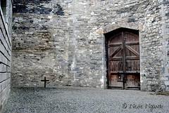 courtyard at Kilmainham Goal, Dublin (Nicole Ngando) Tags: ireland dublin goal gate cross stones courtyard kilmainham