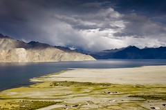 Pangong lake, Ladakh (Nick Irvine-Fortescue) Tags: travel india travelling himalayas ladakh jammuandkashmir pangongtso nickif pangonglake nickirvinefortescue nickfortescue