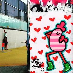 Help the kids! (annaeme) Tags: streetart square urbanart squareformat juno graffitiart poblesec paralel tresxemeneies ilovebarcelona streetartbarcelona tvstreetart iphoneography instagramapp uploaded:by=instagram bintybint welovestreetart rsagraffiti urbanromantix dsbgraff muralsdaily dopeshotbro