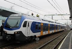 NS Flirt 2512 te Arnhem CS (erwin66101) Tags: ns flirt sprinter edewageningen ede wageningen station arnhem cs centraal