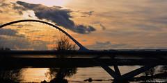 Incertain (Photojol) Tags: nuages ciel loire froid fleuve pont ligérien lumière