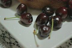 Cherries (Farias-c) Tags: canon eosrebelt1i eoskissx3