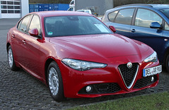 Giulia (Schwanzus_Longus) Tags: delmenhorst german germany italy italian new modern car vehicle red sedan saloon alfa romeo giulia spotted spotting carspotting