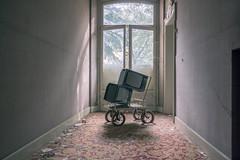 tvShow (FoKus!) Tags: hotel parangon urbex eu ue europe left decay empty derelict abandon abandoned italy italia italie urban ngc abbandonata