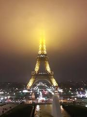 Guillotined (Nanak26) Tags: eiffel paris seine france fog night light brouillard foggy cloud 75007 beheaded tower eiffeltower tour toureiffel chaillot trocadero cloudy nebel