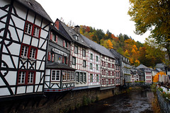 Autumn Monschau (廖法蘭克) Tags: monschau autumn germany canon 6d leica vacation relax frank photographer oldlens manuallens river mountain valley town oldtown leicaelmaritr24mmf28 friends 德國 萊卡 秋天 蒙紹 老鏡 手動對焦 手動鏡