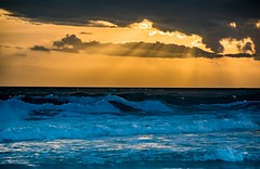 The clouds make the sunset! (Dr. Farnsworth) Tags: sunset dustin mirmarbeach clouds rays sunshine waves huge whitecaps fl florida winter january2017