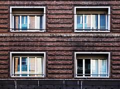 Minimal urbano (pagati) Tags: bologna architettura pattern geometrico finestre riflessi finestra simmetria edificio