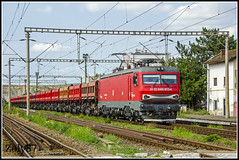 480-013-8 (Zoly060-DA) Tags: new blue red sky grass lines station rock electric train private grey 8 railway db romania co locomotive 480 013 freight operator 6000 wagons kw craiova schenker turzii campia softronic