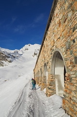 Paravalanche (David Roberts 01341) Tags: skiing skitouring skirandonnee alps switzerland suisse italy italia grandsaintbernard offpiste
