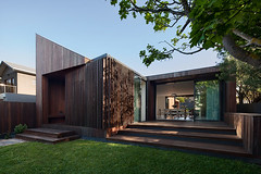 Лаконичный дом от Coy Yiontis Architects