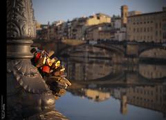 Love Firenze... (Felip Prats) Tags: firenze florència florencia toscana italia italy itàlia arno candaus candados padlock