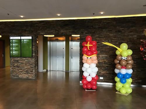 Ballonpilaar Sinterklaas en Zwarte Piet van der Valk Hotel Ridderkerk