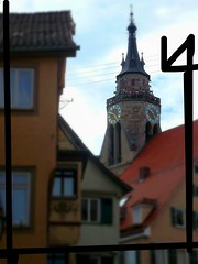 Neckargasse und 360 ° Aussichtsplattform der Stiftskirche, St. Georg, Tübingen - ver. #4 (eagle1effi) Tags: lumix eagle1effi damncool 13jul2008 streetreportage tuebingen tubingen germany deutschland badenwuerttemberg württemberg stadttübingen beautifulcityoftubingengermany beautifulcityoftübingengermany tubinga tübingen stiftskirche neckargasse cityscape city altstadt dibengâ dibenga tubingue flickr universität university