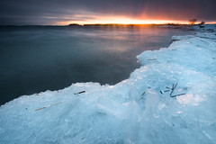 Dark water, bright ice (- David Olsson -) Tags: skutberget karlstad värmland sweden lake vänern water ice freezing cold winter wintry sunset sundown cloudy clouds seascape landscape nature outdoor lakescape nikon d800 1635 1635mm 1635vr vr fx davidolsson 2017 january januari