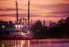16/365 - The work day begins (CarmenSisson) Tags: alabama bayoulabatre gulfcoast boats dusk seafoodindustry shrimpboats shrimping sunset water usa