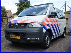 Dutch Police T5 Gelderland. (NikonDirk) Tags: holland bus netherlands dutch vw golf volkswagen foto traffic police t5 gp transporter zuid gelderland politie hulpverlening nikondirk 54jpd6