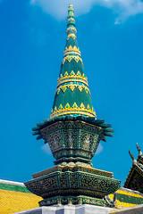 2016_04-Bangkok-M00022 (trailbeyond) Tags: architecture asia bangkok building green location outdoors pattern religiousbuilding statue temple templeoftheemeraldbuddha texture thailand thegrandpalace tower watphrakaew yellow