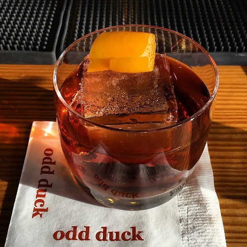 Great way to end the busy #holiday season @oddduckaustin Cheers! #fullspectrumice #craftice #thinkoutsidetheblocks #brrriliant - Full Spectrum Ice Sculpture