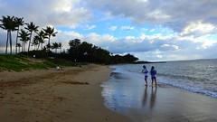 Kihei,  Maui at Christmas (Jim Mullhaupt) Tags: kihei hawaiianislands m maui christmas island pacific vacation photo nikon landscape wallpaper coolpixp900 beach volcano mountains palms tree jimmullhaupt flickr