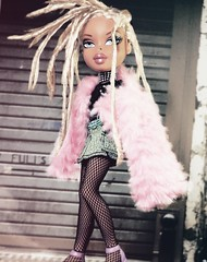 Fille Méchante (alexbabs1) Tags: bratz dolls passion 4 fashion spring 2007 2nd edition cloe doll mgae mga entertainment blonde tan dreads dreadlocks locs loc dread cultural appropriation white girl loves it slay paris france parisian graffiti street art urban funky eclectic 2017 style chic glam fur denim leather vinyl fishnet sarah palins bangs
