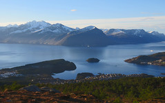 Early morning. (Mrs.Snowman) Tags: emblemsfjellet høgkubben fjords hills hiking sundaymorning norway westcoast