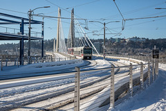 Portland snow (Dimitri_Stucolov) Tags: portland portlandor snow snowedin city pdx max trimet