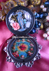 Our Lady of Lourdes Locket Shrine Altered Art Necklace (inspirational) Tags: catholicjewelry religiousjewelry catholicnecklace alteredartnecklace catholicalteredart locketshrinenecklace assemblagenecklace pocketstatue handmade handcrafted virginmary ourladyoflourdes brokenrosary vintagebeads lace virgenmaria joyeriacatolica collarcatolico echoamano