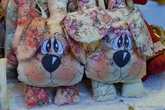 Twins (Sockenhummel) Tags: 2017 berlin grünewoche masurenallee messe hund zwilling twins stofftier toy pet spielzeug fuji x30 fujifilm finepix fujix30
