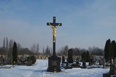 IMGP6873 (hlavaty85) Tags: terezín hřbitov cemetery cross kříž jesus inri