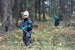 Lek i skogen (tobiasnykanen) Tags: canonef5018ii canoneos1v expiredfilm fujifilm fujifilmpress800400 höst höstskogen jobo joboatl1500 liam noel pakon pakonf135 pakonf135plus rolleidigibasec41kit skogen