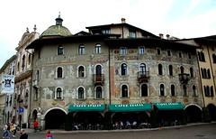 Case Cazuffi-Rella, Trento (Sebasti Giralt) Tags: italy house architecture painting casa arquitectura italia trento fresco renaissance trentino pintura renacimiento fresc renaixement