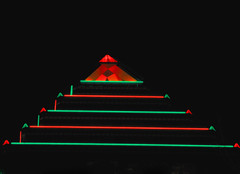 Pyramid Lights....Lampes pyramidales (Bob (sideshow015)) Tags: lights lampe christmas tree arbre nikon d7100 canada montreal quebec night shots green red rouge