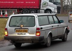 F652 GNU (Nivek.Old.Gold) Tags: 1989 volvo 240 gl auto estate 1986cc speeds beeston
