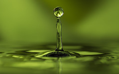 The Green Goo (yasjooni) Tags: water waterdropphotography splash flash green reflection nikon nikond7200 d7200